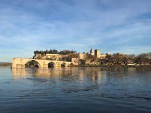 La ville d'Avignon avec le pont et le palais des Papes